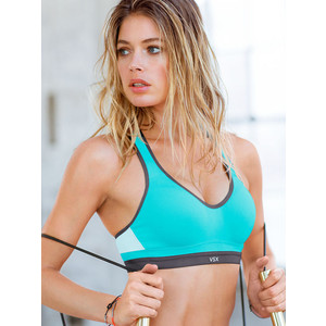 ff2d206a83 Workout like an angel in the Incredible Sports Bra by Victoria s Secret.  This breathable and flexible sports bra is ideal for high intensity  workouts and ...